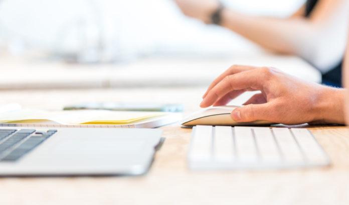 Educación invierte en la compra de ordenadores portátiles en centros educativos