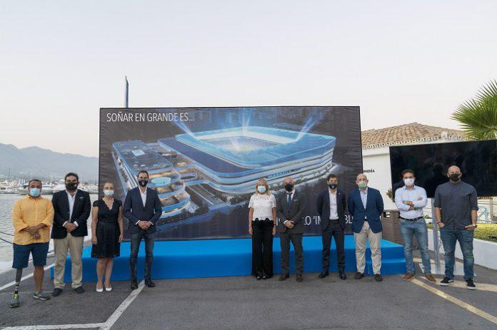 La alcaldesa de Málaga destaca el potencial de la ciudad en la presentación del proyecto para un nuevo estadio del Marbella FC