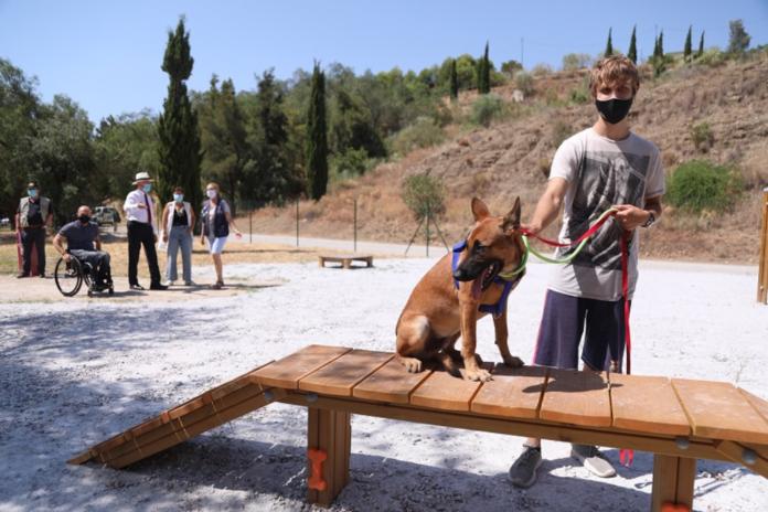 Málaga habilita unas zonas de paseo para perros de 13.000 metros cuadrados