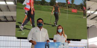 La golfista Laura Gómez formaliza el patrocinio con el Ayuntamiento de Marbella