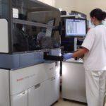 El Macarena incorpora un equipo que permitirá analizar 1.500 test de Covid al día