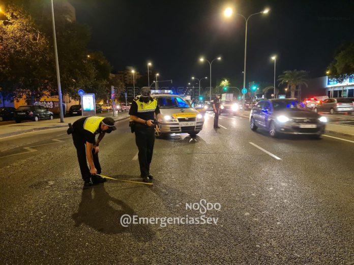 Una mujer resulta herida tras ser atropellada por una furgoneta en la Avenida Andalucía de Sevilla