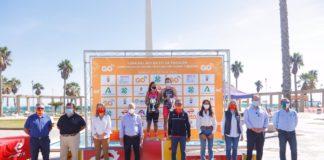Las copas del Rey y la Reina de triatlón reúnen en Roquetas de Mar a 500 atletas
