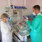 Unos padres en cuarentena por Covid logran ver a su hijo prematuro por videollamada