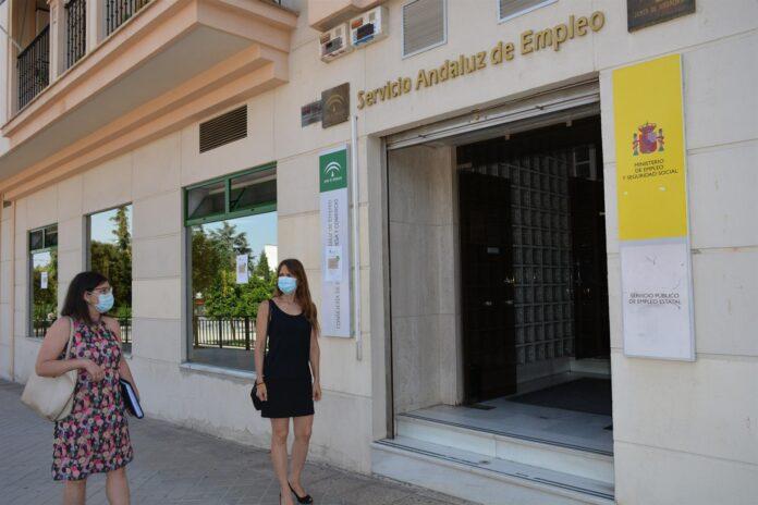 Andalucía suma 2.933 desempleados más en diciembre