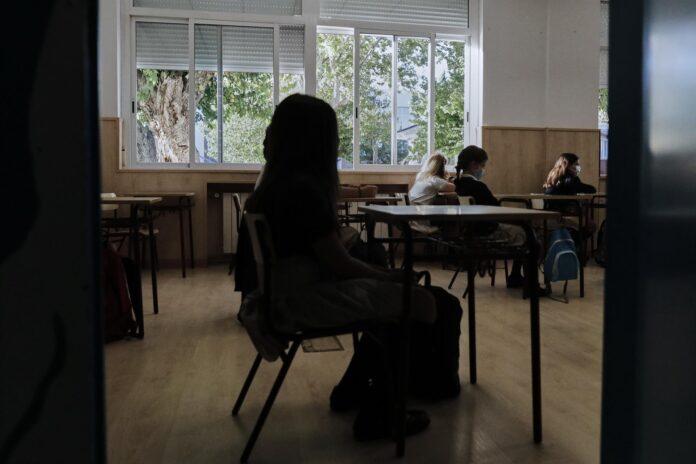Niños en un aula de un colegio, foto de archivo. / Foto: Jesús Hellín. / Europa Press.