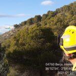 Incorporan medios aéreos al incendio forestal que desde el viernes afecta a Berja, ya estabilizado