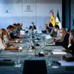 Andalucía plantea adaptar las restricciones si la incidencia continua bajando