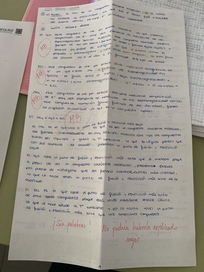 Docente conquista a sus alumnos con mensajes de motivación y confianza en sus exámenes