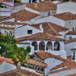 Una guía invita a conocer Fuenteheridos a través de sus edificios notables