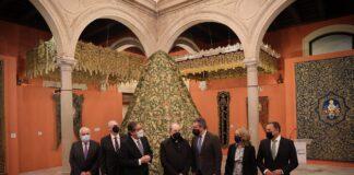 El patrimonio de las cofradías sevillanas se exhibe en la capital