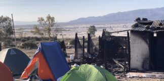 Poblado chabolista de Níjar (Almería) tras el incendio. / Europa Press.