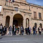 Linares guarda silencio en solidaridad con la vecina asesinada