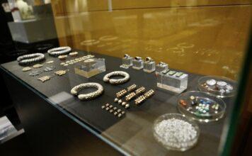 Córdoba exhibe por primera vez las 623 joyas andalusíes localizadas en 'La Amarguilla'