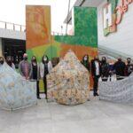 Exponen en Isla Cristina tres mascarillas gigantes para concienciar de su uso
