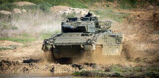 El Ejército experimenta en Cerro Muriano con el Vehículo de Combate 'Pizarro'