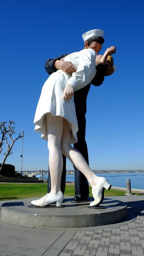 Día internacional del Beso 2021: los besos más famosos de la historia