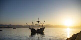 La 'Nao Victoria', el primer barco que dio la vuelta al mundo, llega a Almería