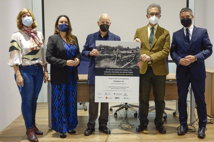 Una muestra fotográfica exhibe en Granada las secuelas del desastre nuclear de Chernóbil