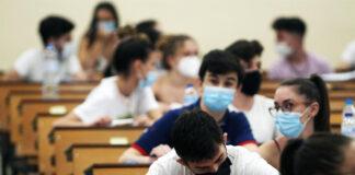 Andalucía y sus universidades decidirán cómo harán la EBAU estudiantes con covid