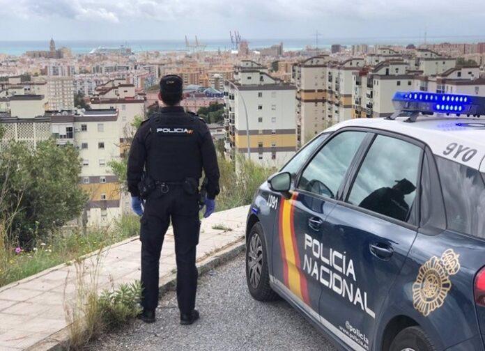 Detenida en Málaga tras prender fuego a la puerta de la casa de un conocido