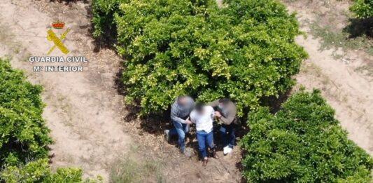 Persecución en medio de una comunión para detener a un narcotraficante