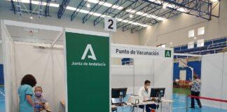 Cádiz y Córdoba comienzan a administrar la segunda dosis de AstraZeneca a esenciales