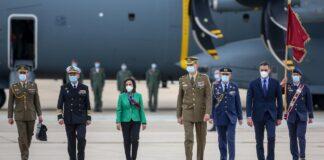 El Rey Felipe VI visita la base militar de Viator y el Madoc de Granada