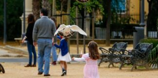 Los parques de Sevilla amplían su horario hasta las 23:00 horas