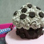 Receta para preparar este cupcake gigante de... ¡oreo!