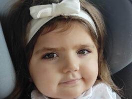 Unos padres piden un aula especial para escolarizar en Frigiliana a su hija con Rett