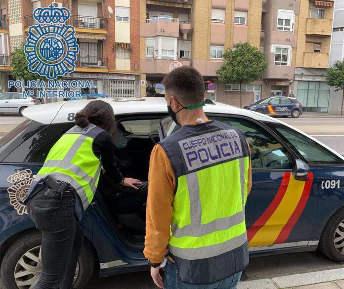 Detenidos los autores de un robo y agresión a un menor en Nervión