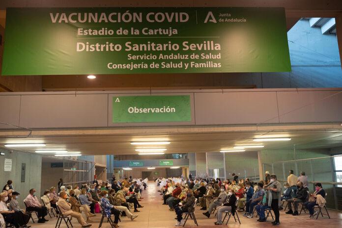 Comienza en Andalucía la vacunación de menores de 60 años