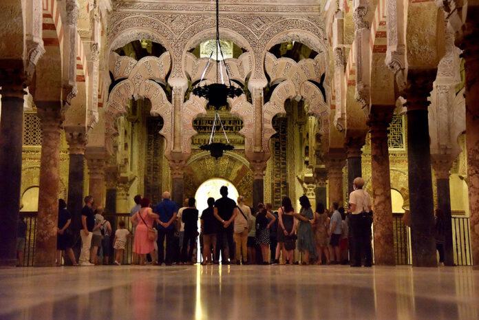 Vuelve el programa de visitas nocturna a la Mezquita de Córdoba