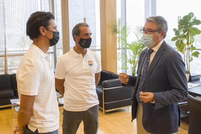 Dos malagueños recorrerán más de 800 kilómetros del litoral andaluz