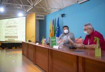 Presentan el libro 'Agrupaciones callejeras en el Carnaval de Cádiz (2ª parte)'