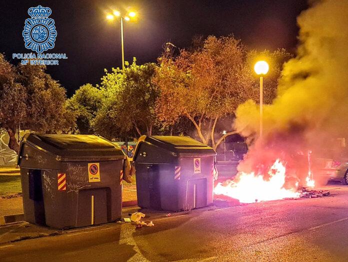 A prisión un pirómano reincidente de contenedores en Jerez