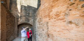 La Alhambra finaliza la restauración de los muros de la Torre del Adarguero