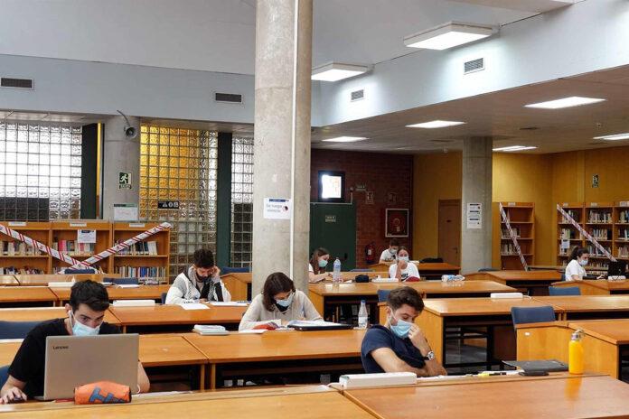 Andalucía amplía su oferta universitaria con 12 nuevos másteres