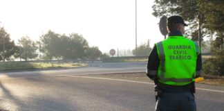 Guardia Civil auxilia a una mujer de un atasco... para llegar a tiempo a su examen