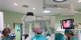 El Hospital Virgen de la Victoria aplica cirugía robótica en pacientes complejos de urología