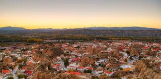 Una ruta por los cinematográficos 'badlands' del Geoparque de Granada