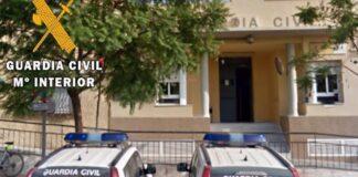 Investigan el origen del incendio en un bloque de Vícar con 50 desalojados
