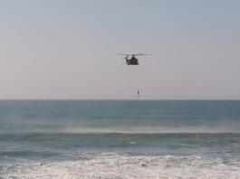 Rescatan a un joven tras quedar atrapado en unas rocas de la playa de Motril