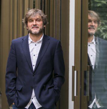 El actor malagueño Salva Reina obtiene el Premio Luz en el Festival de Cine de Huelva