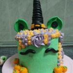 ¡Tarta unicornio de brujita! Ideal para sorprender en Halloween