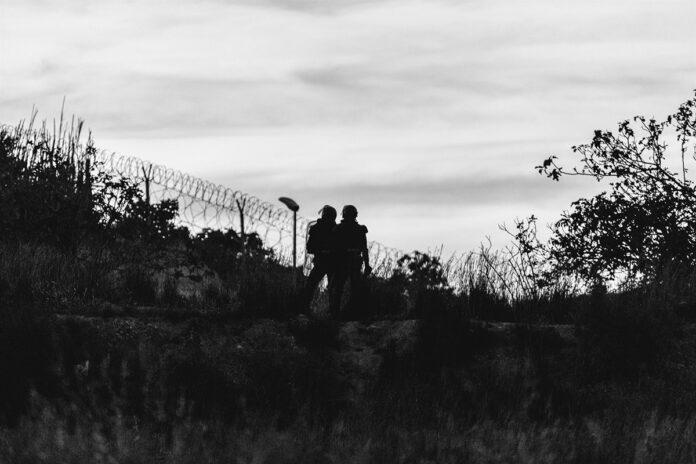 Hospitalizado un guardia civil tras un salto a la valla de Melilla