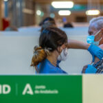 Los andaluces mayores de 70 reciben a partir de hoy la tercera dosis de la vacuna covid
