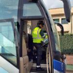 Pillado tras subir a RRSS un vídeo conduciendo un autobús cuando carecía de carné